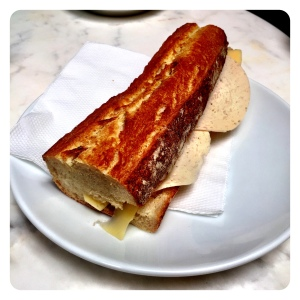 The Chicken & Salami Baguette was very good indeed, just as it seems to be.